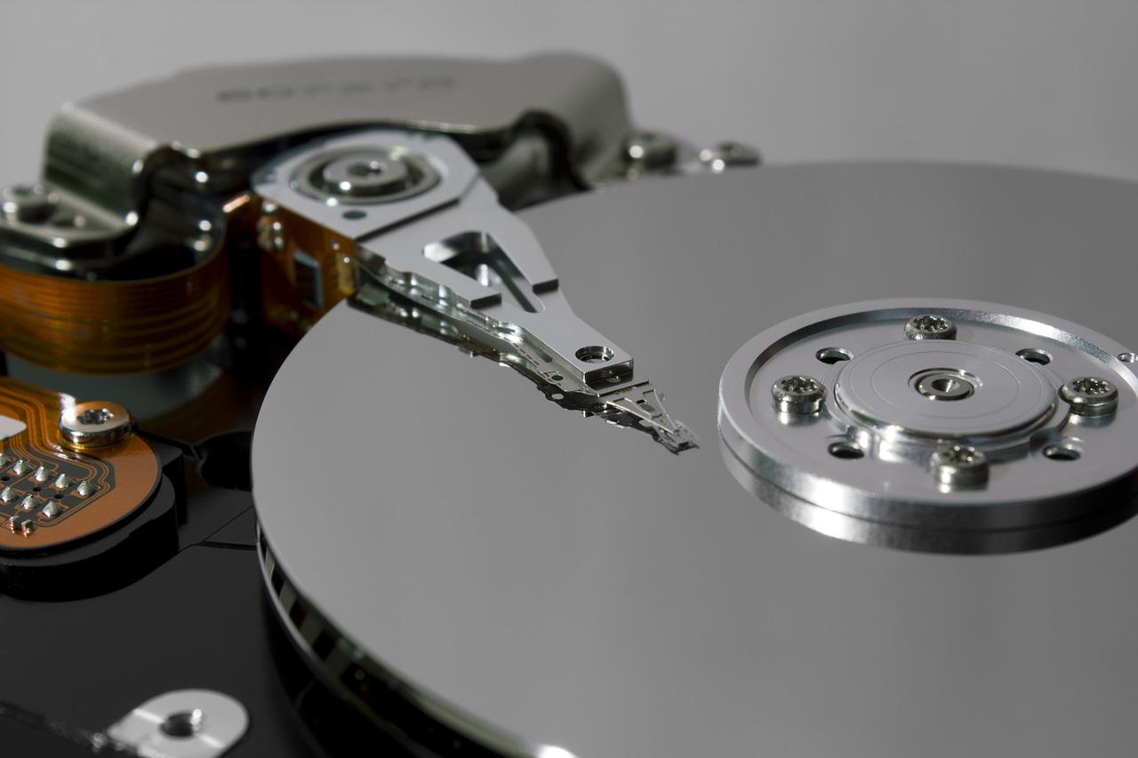 故障したハードディスクからの「データ復旧」サポート